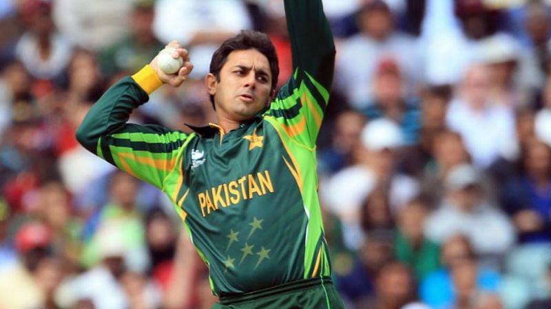 सईद अजमल को गेंदबाजी एक्शन के कारण बैन कर दिया गया था