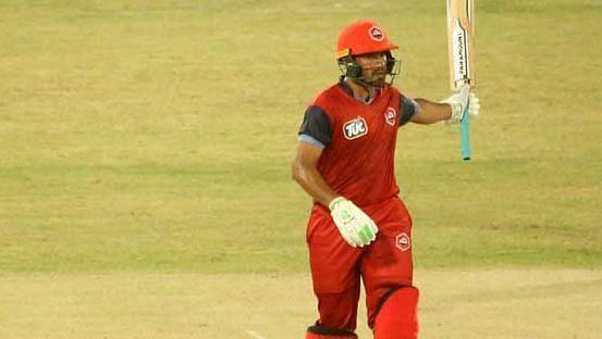 जीशान मलिक ने पाकिस्तान सुपर लीग में कराची किंग्स से खेला है