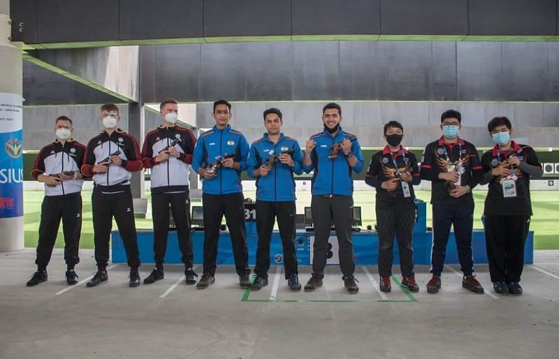 India wins the team title at the ISSF Junior World Championships. (©Twitter/Khelo India).