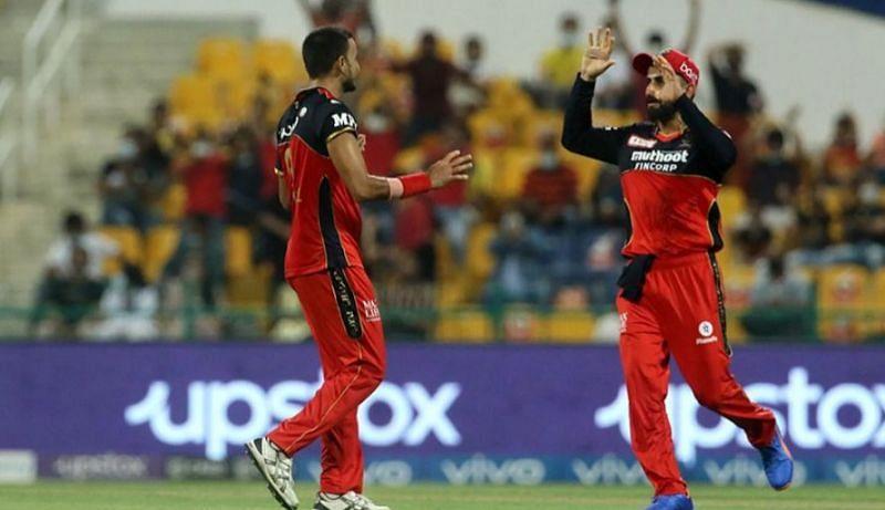 आरसीबी की टीम से हर्षल पटेल ने बेहतरीन गेंदबाजी की (फोटो - IPL)