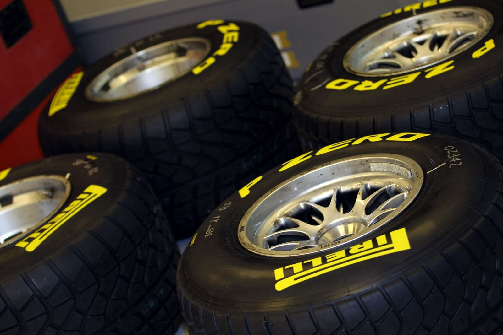 F1 2011 Everything You Need To Know About Tyres