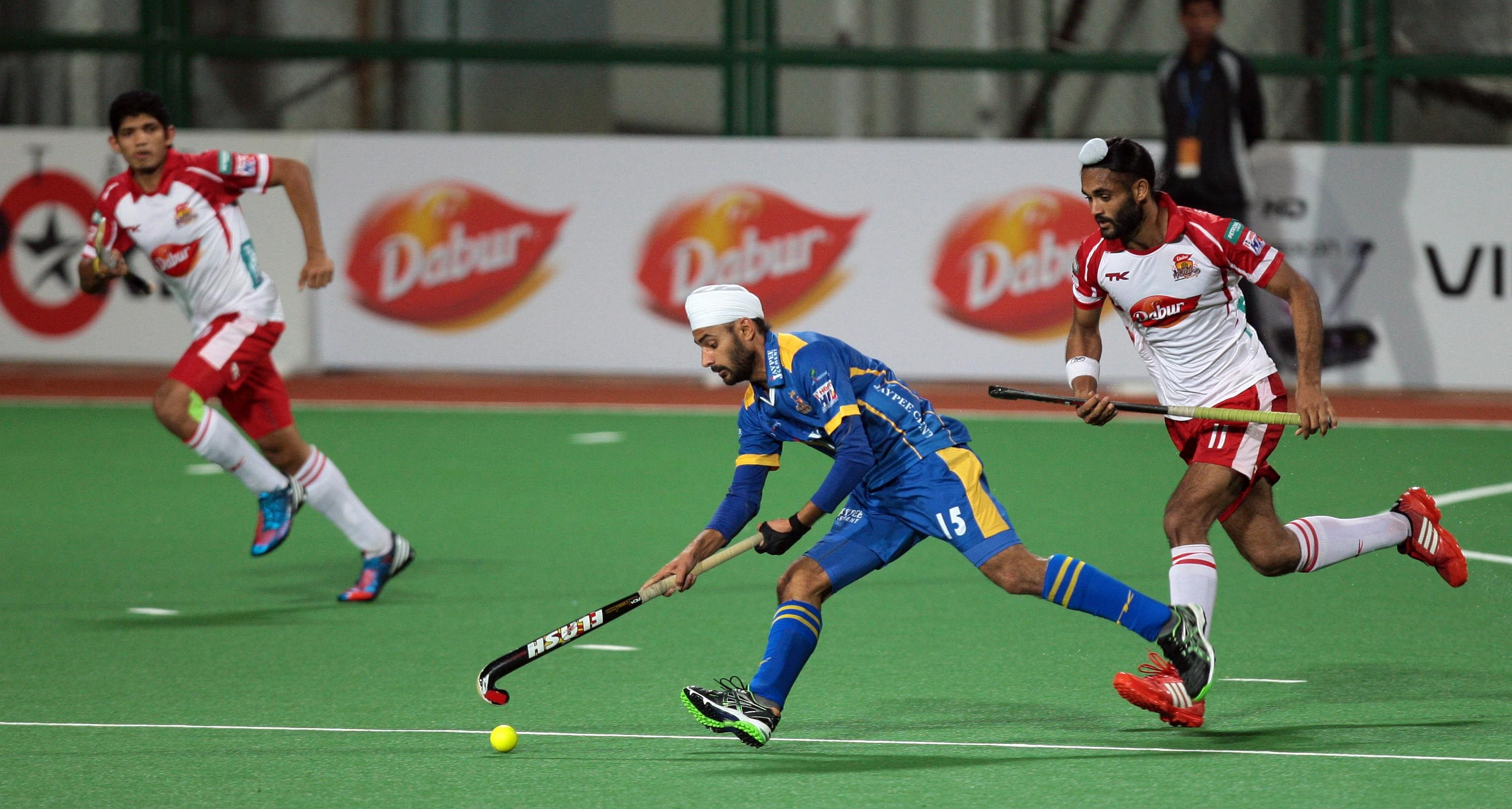 Malak Singh from JPW in action against MM