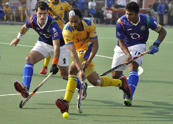 VR Raghunath in action against the Punjab Warrior.