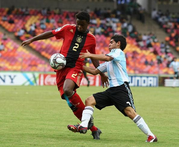 Daniel Villalva (R) for Argentina vs. Germany in the FIFA U17 WC