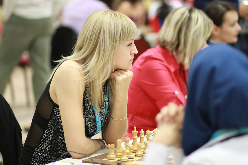 Anna Ushenina will defend her world title against challenger Hou Yifan