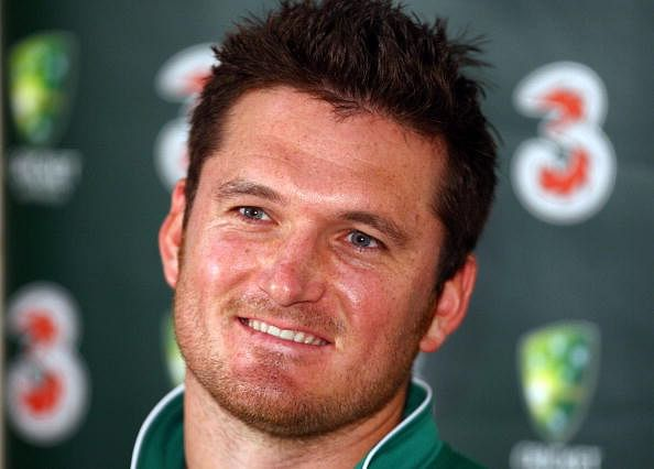 SYDNEY, AUSTRALIA - JANUARY 02:  Graeme Smith speaks to the media prior to a South African nets session at the Sydney Cricket Ground on January 2, 2009 in Sydney, Australia.  (Photo by Mark Kolbe/Getty Images)