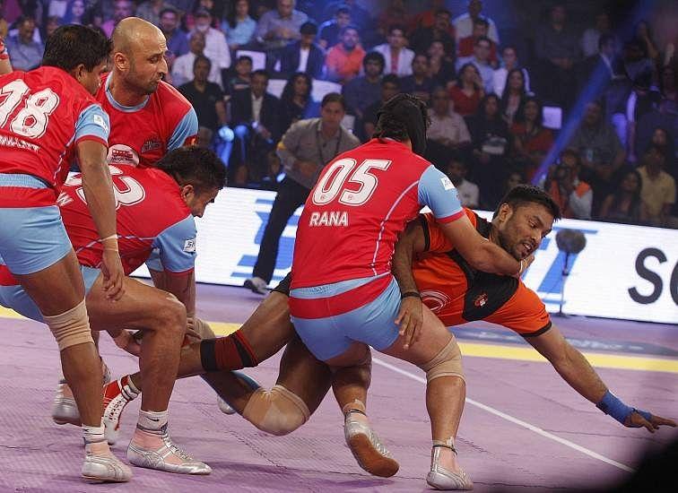 Jaipur Pink Panthers team effort