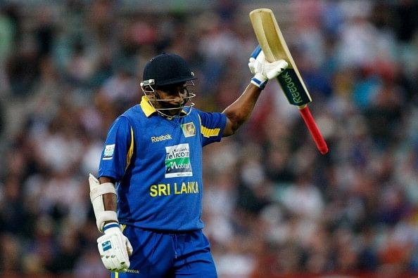 Sanath Jayasuriya acknowledges the crowd after his last innings for Sri Lanka in 2011