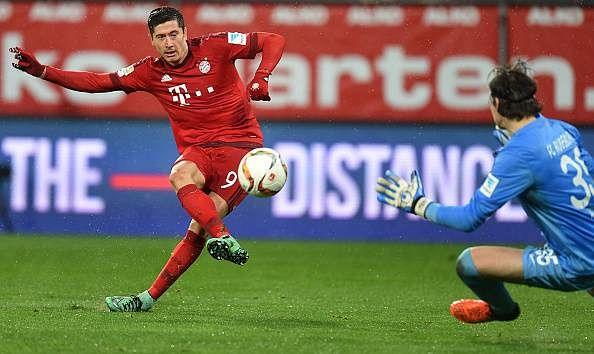Bayern Munich 3-1 Augsburg Robert Lewandowski goal highlights