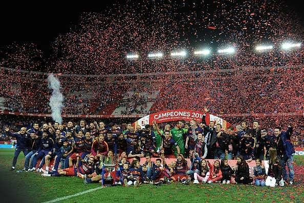 Barcelona players celebrate their 28th Copa del Rey triumph