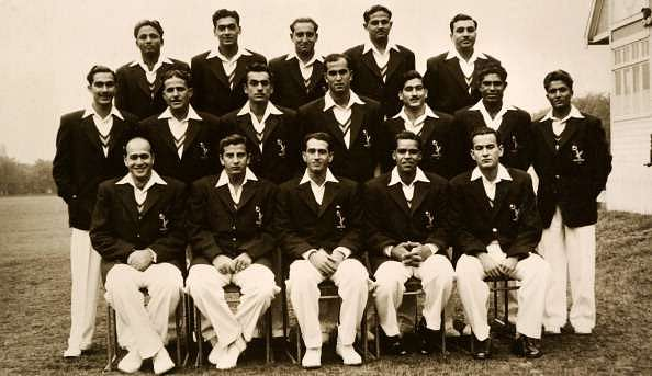 Kardar (front row, 3rd from left) with Pakistan team in 1954