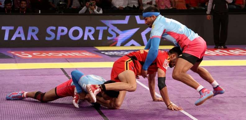 Amit Hooda Rohit Kumar Ran Singh Jaipur Pink Panthers Bengaluru Bulls Pro Kabaddi Star Sports ProKabaddi Season 4