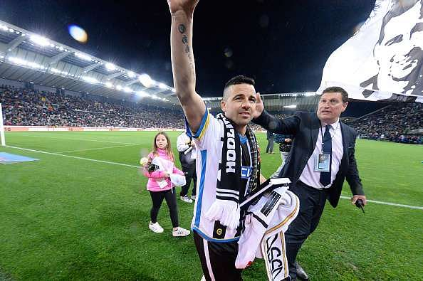 UDINE, ITALY - MAY 15:  Antonio Di Natale of Udinese Calcio say hello to the fans after their last games  the Serie A match between Udinese Calcio and Carpi FC at Stadio Friuli on May 15, 2016 in Udine, Italy.  (Photo by Dino Panato/Getty Images)