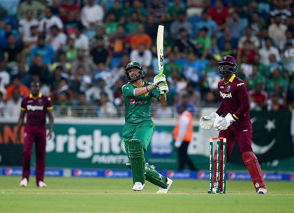 DUBAI, UNITED ARAB EMIRATES - SEPTEMBER 24:  Shoaib Malik of Pakistan bats during the second T20 International match between Pakistan and West Indies at Dubai International Cricket Stadium on September 24, 2016 in Dubai, United Arab Emirates.  (Photo by Francois Nel/Getty Images)