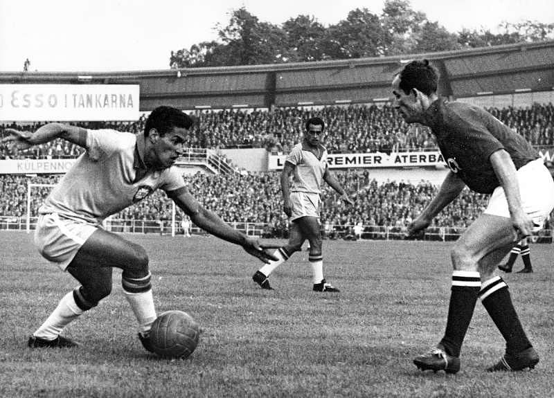Garrincha is the greatest dribbler of all time