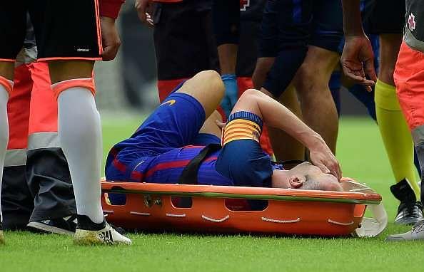 Iniesta Barcelona LCL injury 4 months