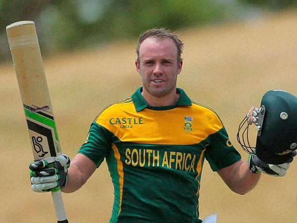 AB De Villiers raising his Kookaburra Kahuna after scoring a century