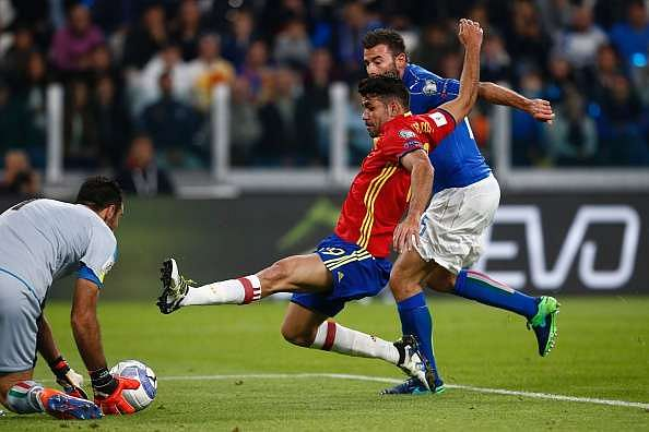 Italy 1-1 Spain highlights goals Vitolo De Rossi
