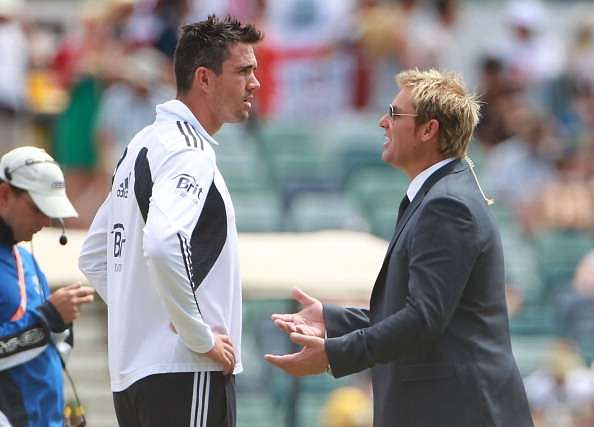 PERTH, AUSTRALIA - DECEMBER 19:  Kevin Pietersen of England talks with former Australian cricketer Shane Warne day four of the Third Ashes Test match between Australia and England at WACA on December 19, 2010 in Perth, Australia.  (Photo by Robert Cianflone/Getty Images)