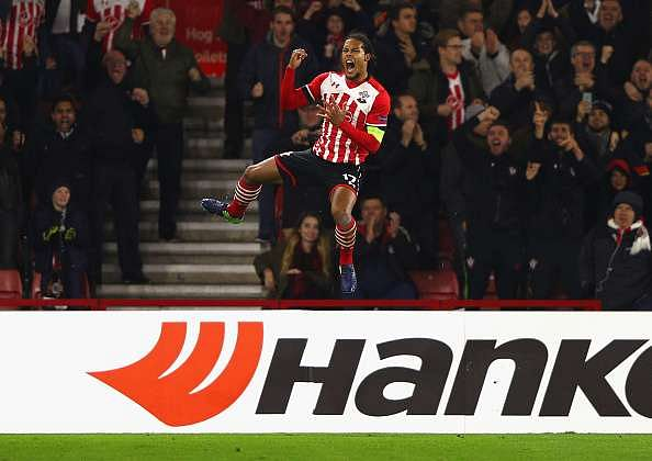 SOUTHAMPTON, ENGLAND - NOVEMBER 03:  Virgil van Dijk of Southampton celebrates after scoring his team