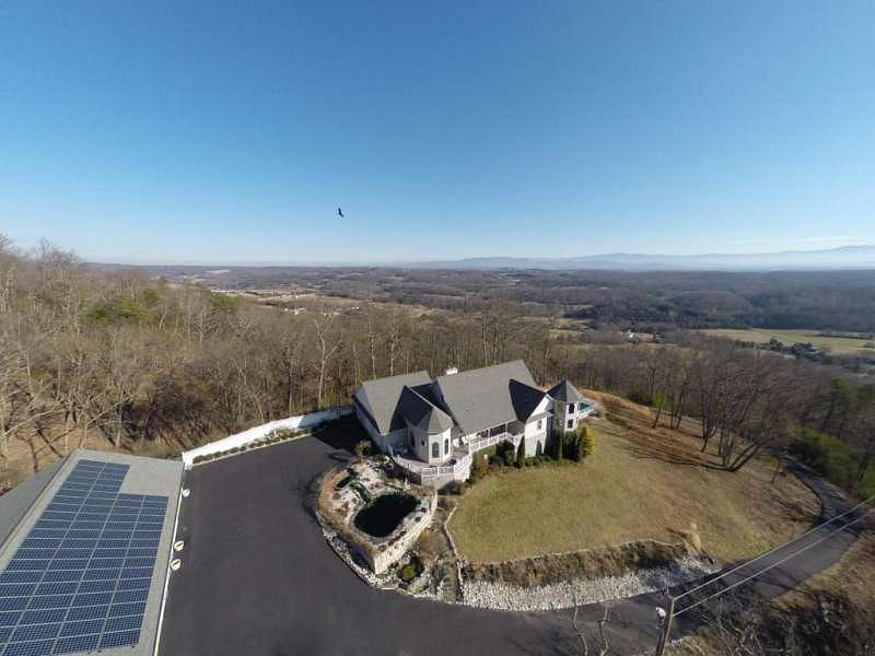 An Aerial view of the 3-time World Champion's house
