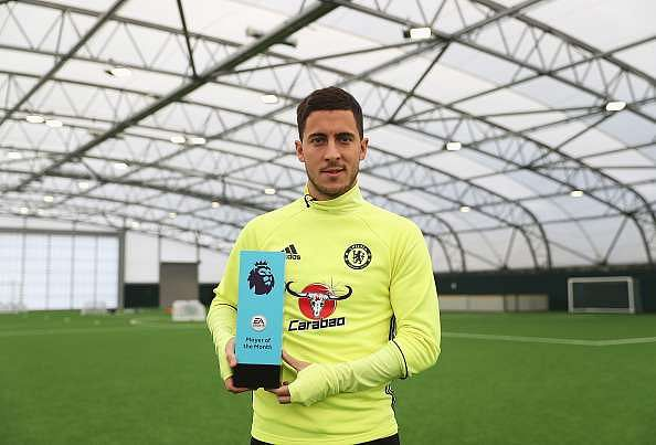 COBHAM, ENGLAND - NOVEMBER 17:  Eden Hazard of Chelsea is awarded the October Player of the Month at the Chelsea Training Ground on November 17, 2016 in Cobham, England.  (Photo by Christopher Lee/Getty Images for Premier League)