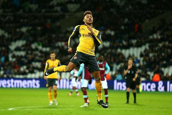 LONDON, ENGLAND - DECEMBER 03:  Alex Oxlade-Chamberlain of Arsenal celebrates after scoring his team