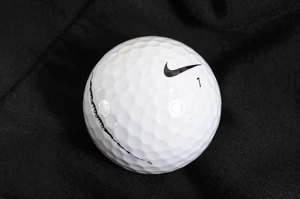 Permanecer de pié Sustancial autor  Tiger Woods says he played a Nike ball made by Bridgestone all these years