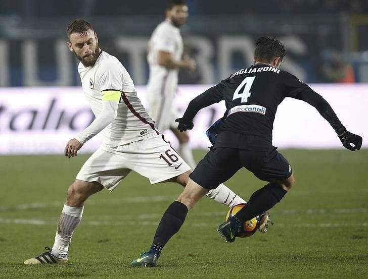Football Soccer - Atalanta v AS Roma - Italian Serie A - Atleti Azzurri d