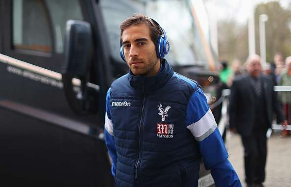 HULL, ENGLAND - DECEMBER 10:  JMathieu Flamini of Crystal Palace arrives prior to the Premier League match between Hull City and Crystal Palace at KCOM Stadium on December 10, 2016 in Hull, England.  (Photo by Ian MacNicol/Getty Images)