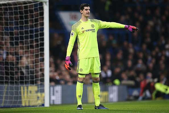 LONDON, ENGLAND - DECEMBER 31: Thibaut Courtois of Chelsea gives instruction during the Premier League match between Chelsea and Stoke City at Stamford Bridge on December 31, 2016 in London, England.  (Photo by Steve Bardens/Getty Images)