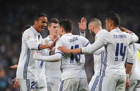MADRID, SPAIN - JANUARY 29:  Mateo Kovacic of Real Madrid celebrates with Danilo after scoring Real