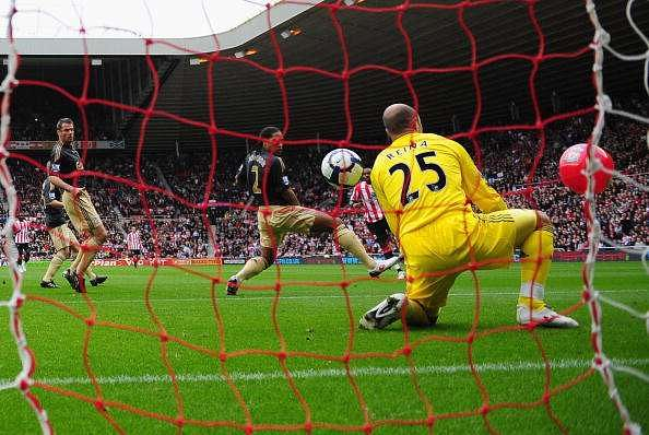 Darren Bent beachball goal