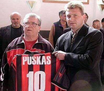 Budapest Honved retired Puskas' number ten jersey