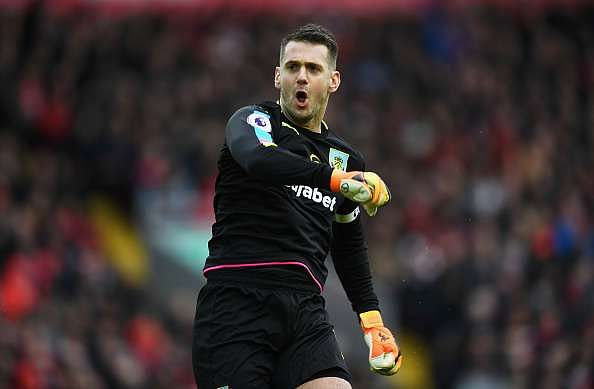 LIVERPOOL, ENGLAND - MARCH 12:  Tom Heaton of Burnley celebrates his sides first goal after Ashley Barnes of Burnley (not pictured) scored during the Premier League match between Liverpool and Burnley at Anfield on March 12, 2017 in Liverpool, England.  (Photo by Michael Regan/Getty Images)