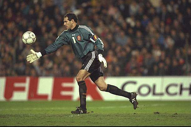 14 Dec 1996:  Andoni Zubizaretta of Spain in action during the World cup qualifier between Spain and Yugoslavia in Valencia, Spain. Spain won the match 2-0. Mandatory Credit: Ben Radford/Allsport