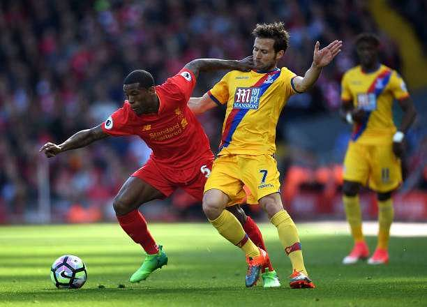 LIVERPOOL, ENGLAND - APRIL 23: Georginio Wijnaldum of Liverpool and Yohan Cabaye of Crystal Palace compete for the ball during the Premier League match between Liverpool and Crystal Palace at Anfield on April 23, 2017 in Liverpool, England.  (Photo by Laurence Griffiths/Getty Images)