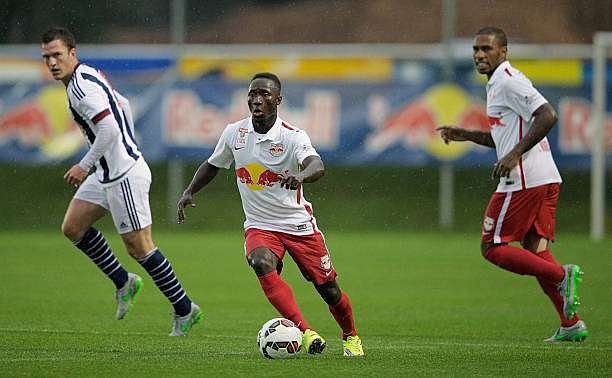 SCHLADMING, AUSTRIA - JULY 08:  Naby Keita of Red Bull Salzburg controls the ball during the friendly match between Red Bull Salzburg and West Brom on July 8, 2015 in Schladming, Austria.  (Photo by Adam Pretty/Getty Images)