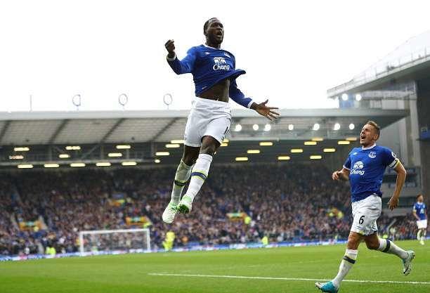 LIVERPOOL, ENGLAND - APRIL 09:  Romelu Lukaku of Everton celebrates scoring his team