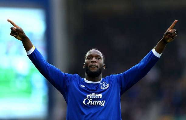 LIVERPOOL, ENGLAND - APRIL 09:  Romelu Lukaku of Everton celebrates scoring his team