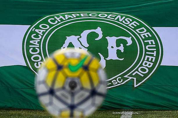 MESQUITA, BRAZIL - DECEMBER 11: View of the ball and Chapecoense team flag before a match between Fluminense and Internacional as part of Brasileirao Series A 2016 at Giulite Coutinho Stadium on December 11, 2016 in Mesquita, Brazil. (Photo by Buda Mendes/Getty Images)
