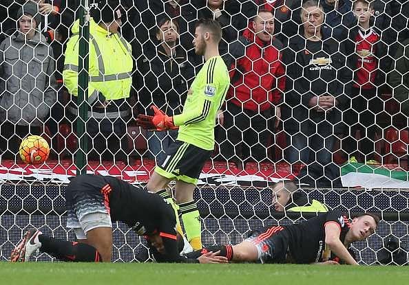 Chris Smalling Phil Jones David de Gea Manchester United.jpg