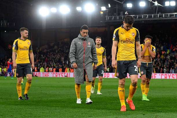 LONDON, ENGLAND - APRIL 10:  Granit Xhaka of Arsenal looks dejected in defeat with team mates after the Premier League match between Crystal Palace and Arsenal at Selhurst Park on April 10, 2017 in London, England.  (Photo by Mike Hewitt/Getty Images)