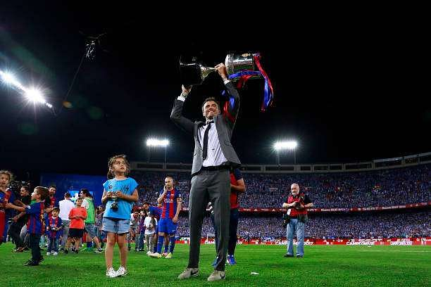 MADRID, SPAIN - MAY 27:  Head coach Luis Enrique Martinez of FC Barcelona team stands the King