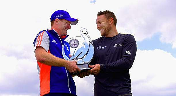 BIRMINGHAM, ENGLAND - JUNE 08:  Captains Eoin Morgan (l) and Brendon McCullum of New Zealand with the Royal London One day series trophy ahead of tuesday