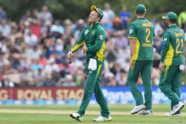 CHRISTCHURCH, NEW ZEALAND - FEBRUARY 22: AB de Villiers of South Africa reacting during game two of the One Day International series between New Zealand and South Africa at Hagley Oval on February 22, 2017 in Christchurch, New Zealand.  (Photo by Kai Schwoerer/Getty Images)