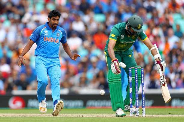 LONDON, ENGLAND - JUNE 11:  Hashim Amla of South Africa sheilds his stumps after playig the ball into the air as Jasprit Bumrah of India runs in to gather during the ICC Champions trophy cricket match between India and South Africa at The Oval in London on June 11, 2017  (Photo by Clive Rose/Getty Images)