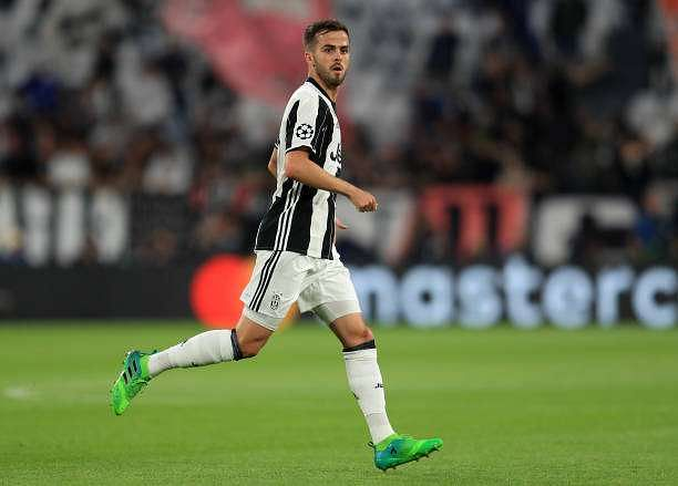 TURIN, ITALY - MAY 09:  Miralem Pjanic of Juventus during the UEFA Champions League Semi Final second leg match between Juventus and AS Monaco at Juventus Stadium on May 9, 2017 in Turin, Italy.  (Photo by Richard Heathcote/Getty Images)