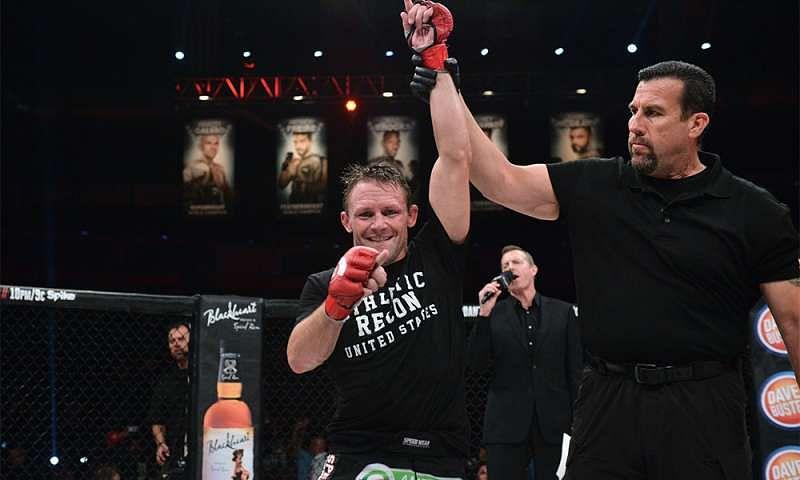 Joe Warren sent Dantas a strong message, saying he was holding his title