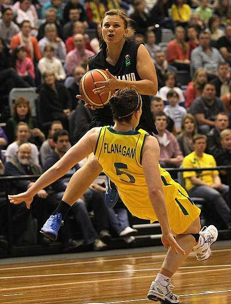 MELBOURNE, AUSTRALIA - SEPTEMBER 07:  Suzie Bates of New Zealand collides with Rachael Flanagan of Australia during the first match between the Australian Opals and the New Zealand Tall Ferns at State Netball Hockey Centre on September 7, 2011 in Melbourne, Australia.  (Photo by Hamish Blair/Getty Images)